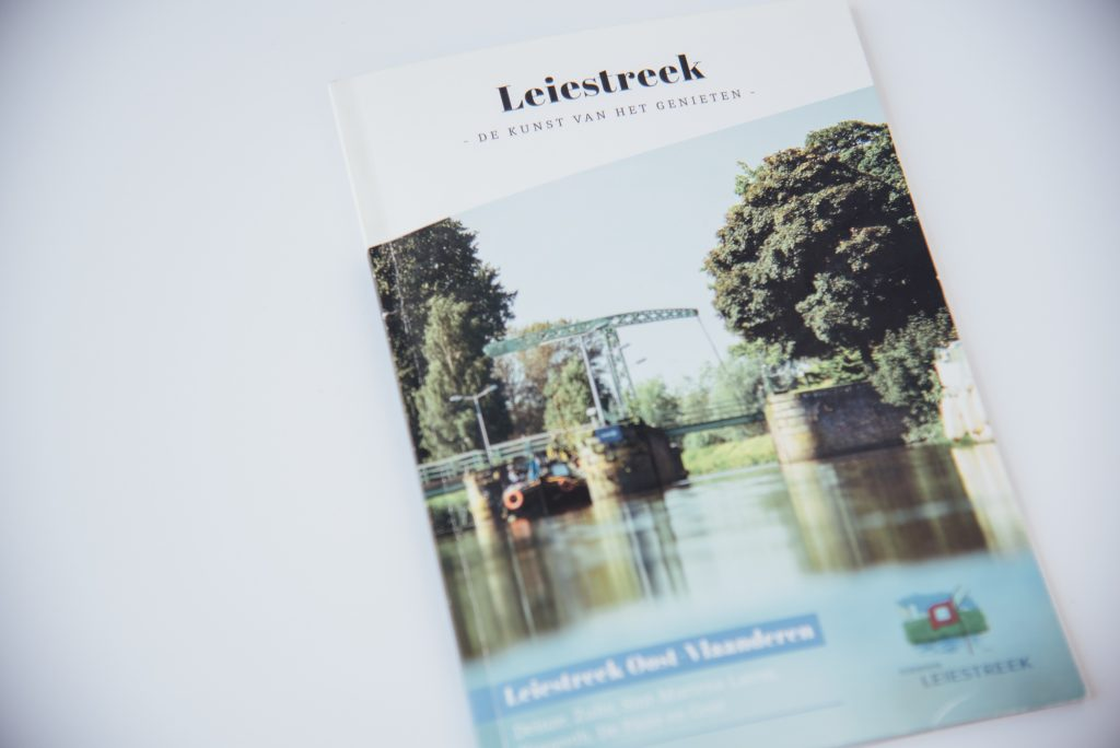 brochure folder copywriter teksten freelance copywriting bliksem schrijfbureau Kortrijk